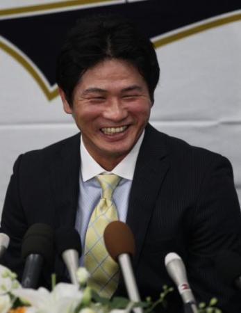 オリックスの谷佳知外野手が引退会見「幸せな気持ち」 2000本間近でも「惜しいと思わない」