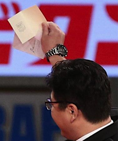 【朗報】ドラフト外れくじ、完全な白紙へ