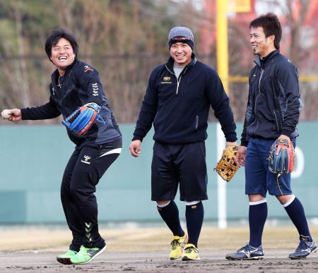 中日平田「ブサイ男塾」開始、後輩3人と合同トレ
