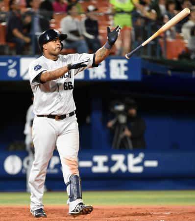 ビシエド、2015中日本塁打数3位にランクイン