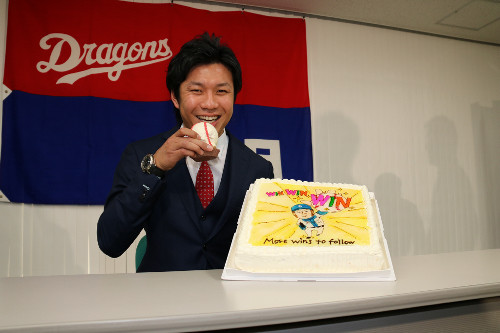 中日・大野雄大6300万増の1億800万でサイン 濱田は24%減で契約更改