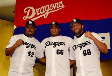 中日新外国人3選手、入団会見であだ名を披露