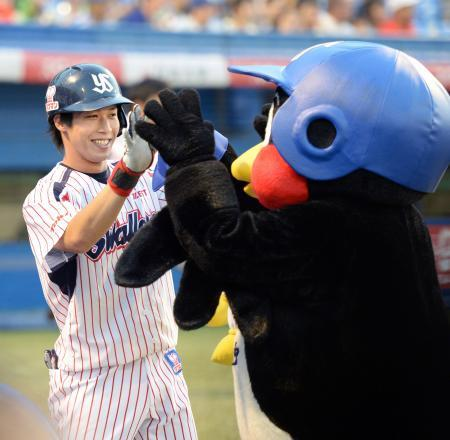 ヤクルト山田哲人が4打数連続本塁打!プロ野球タイ記録
